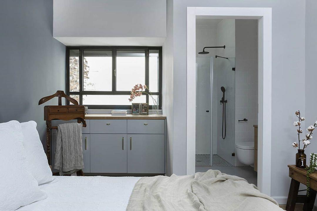 "Hagar Doppelt photographer on Instagram: ""Interior design: @litalwilliger . . .  #hagardop #פיסותחלל #interiorstyling #homeinspiration #homestylingideas #homeinspo #עיצובפנים…"""
