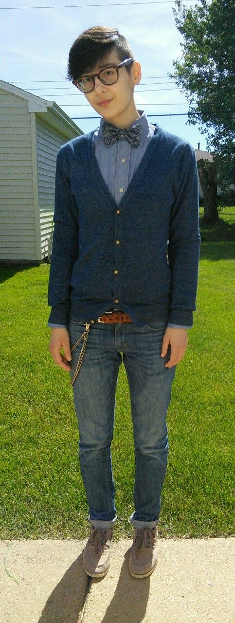 blue chambray button down, bow tie, navy blue cardigan, brown leather belt, cuffed jeans, boots