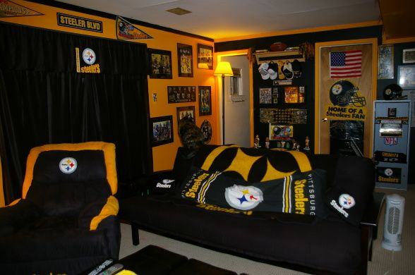 7 Awesome Steelers Bedroom Ideas Steelers Decorated Futon Home Steelers Pittsburgh Steelers Man Cave Boy Room