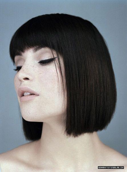 Picture Of Gemma Arterton Medium Hair Styles One Length Haircuts Dark Hair