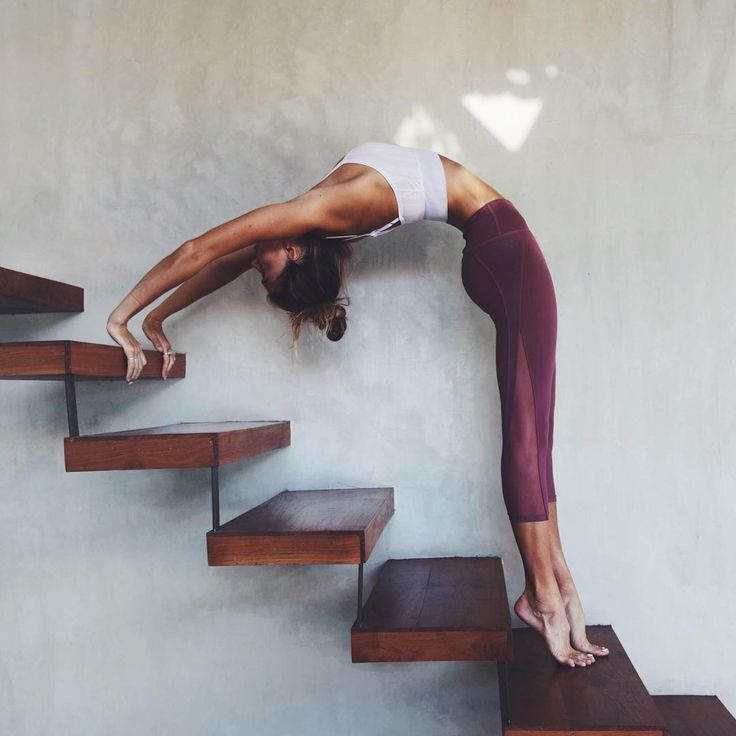 """SJANA ELISE EARP on Instagram: """"@aloyoga every day 🤗 Every object, staircase and doorway I see as a playground for yoga haha.. It's a serious(ly fun!) issue 🙈"""""""