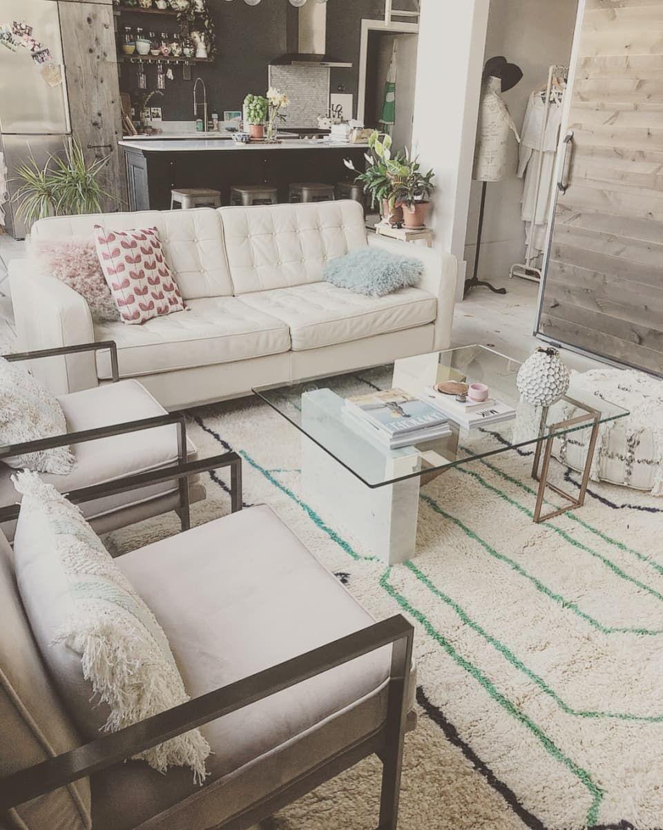 A Condo Found On Craigslist Is A Uniquely Magical Bright Dream Rental Condo Apartment Life Cool Backdrops