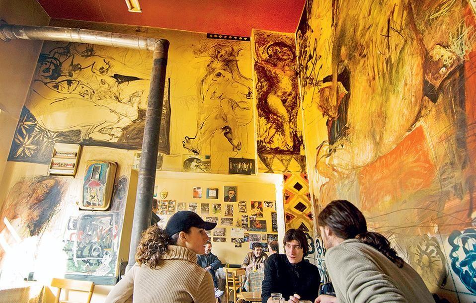Φλώρινα Το καφενείο του Νάσου στην Αγορά, με τοιχογραφίες του Μανόλη Πολυμέρη