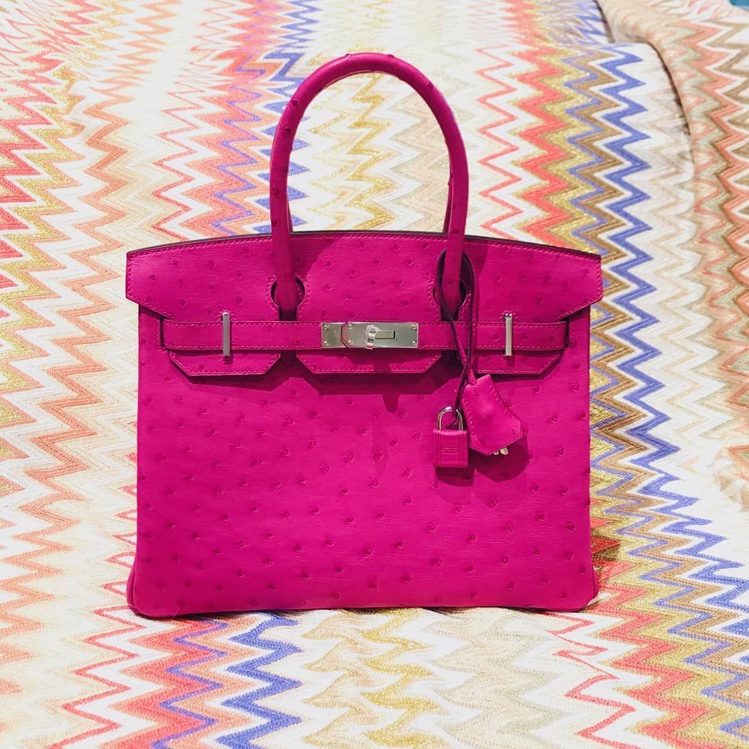 A true queen! The Hermès Birkin.  hermesbirkin  hermes  labellov   designerbags  designerbag  designer  outfitoftheday  instadaily  instagood 6588a3b9d42