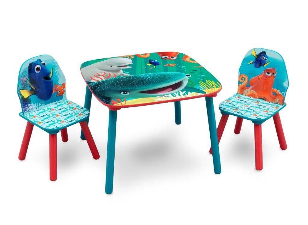 Set Tavolo E Sedie Minnie.Alla Ricerca Di Dory Set Tavolino E 2 Sedie In Legno Disney