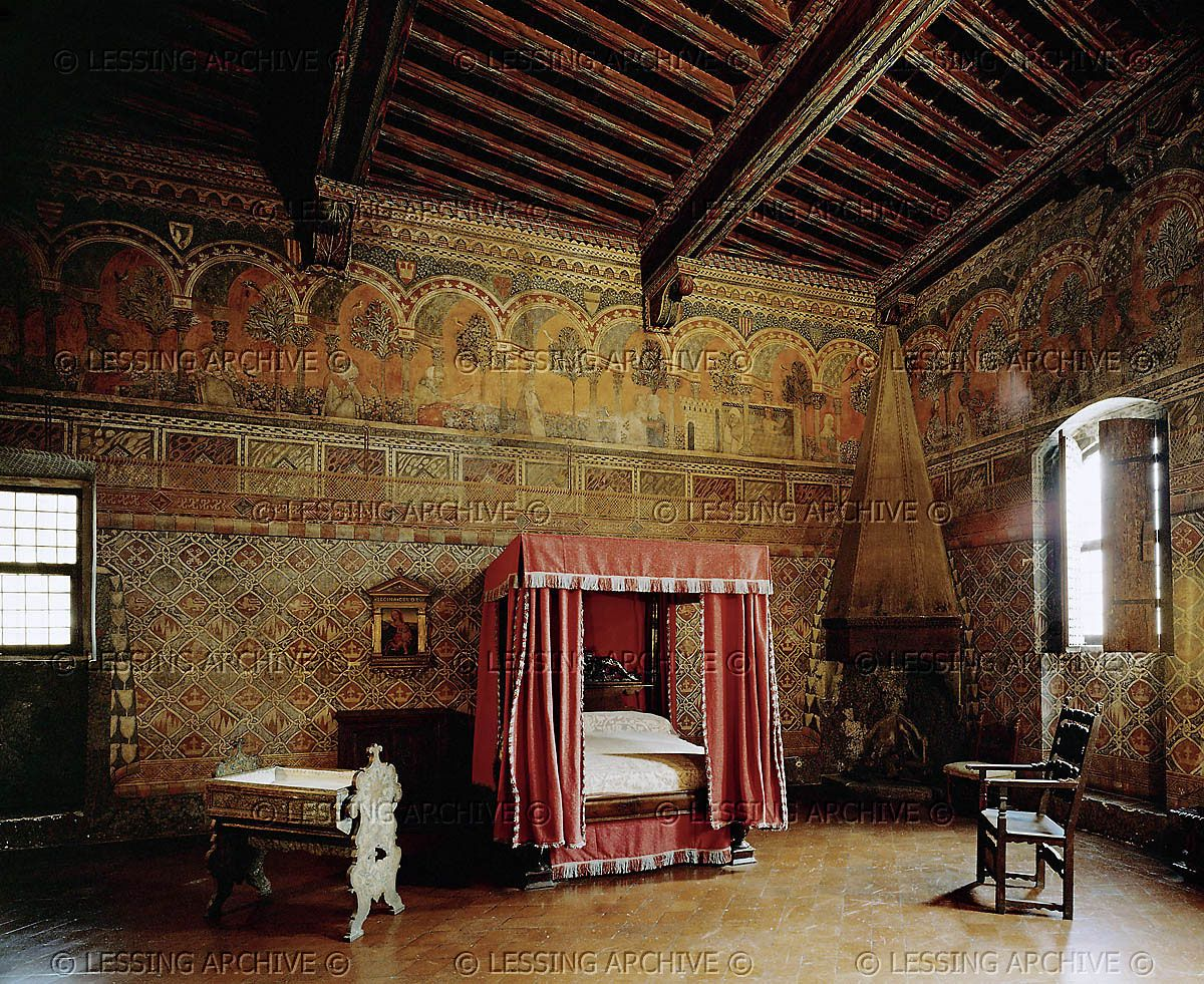 The Bedroom Palazzo Davanzati Florence Bed And Chair Rinascimento E Manierismo The