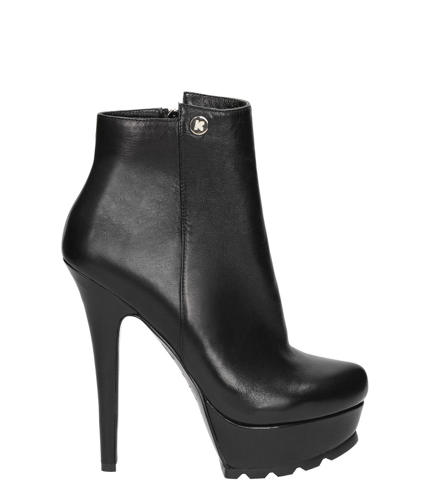 Czarne Botki Wykonane Z Licowej Skory Niezwykle Wygodny I Dobrze Wyprofilowany Model Awangardowy Look Nadaja Wysokie Obcasy I Platfo Ankle Boot Shoes Boots