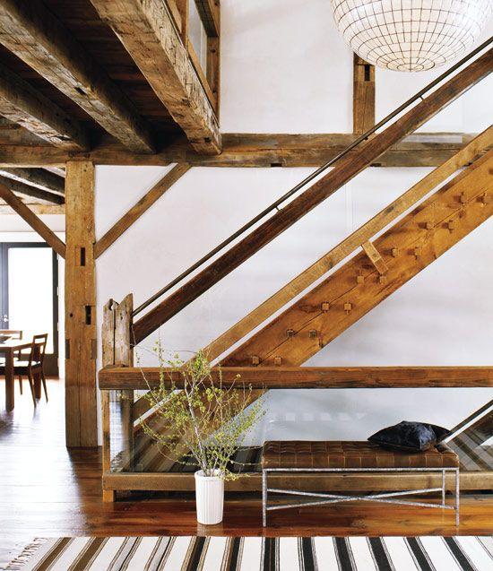 Converted Barn Lugares y espacios sorprendentes Pinterest - escaleras de madera rusticas