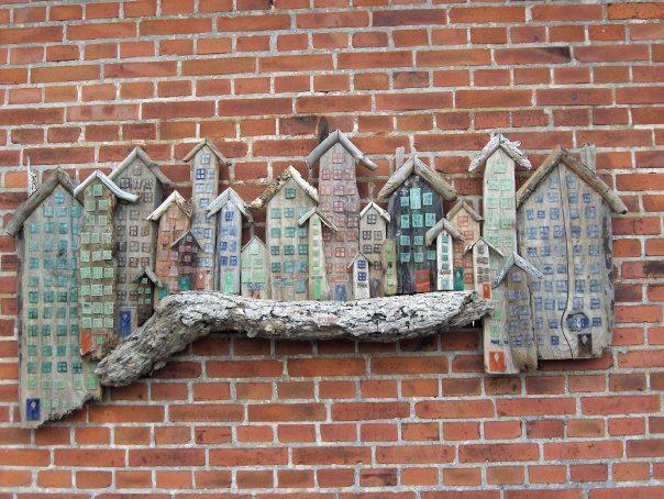 Drivtømmer huse med glas dekoration  se evt mere : https://www.facebook.com/groups/176214285906803/