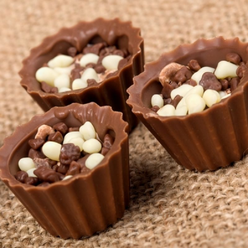 An Easy Recipe For Homemade Chocolate Cups That Can Be