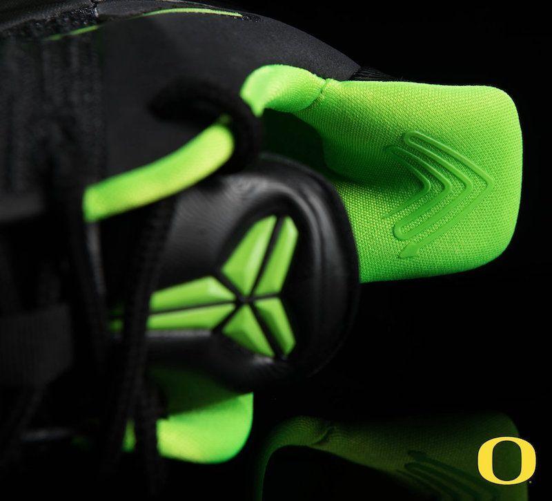 4d6823e0e1c0 Here s a look at the Nike Kobe A.D. PE that the Oregon Ducks basketball  team wore last night.