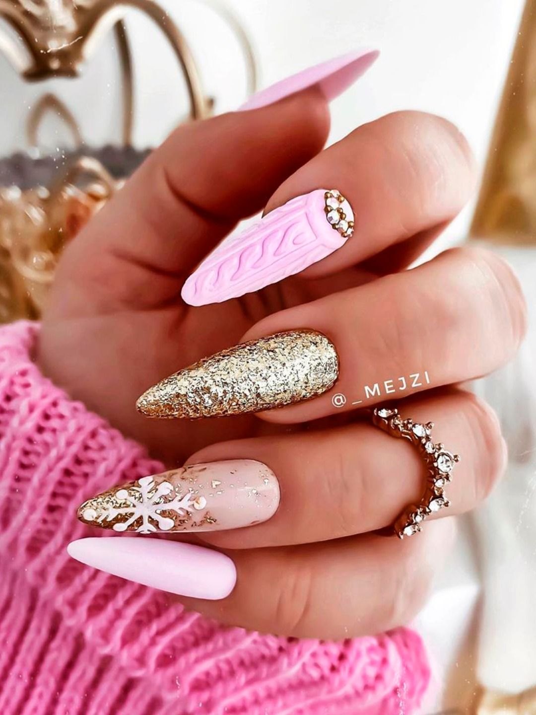The Cutest Christmas Sweater Nails of 2020 | Cute