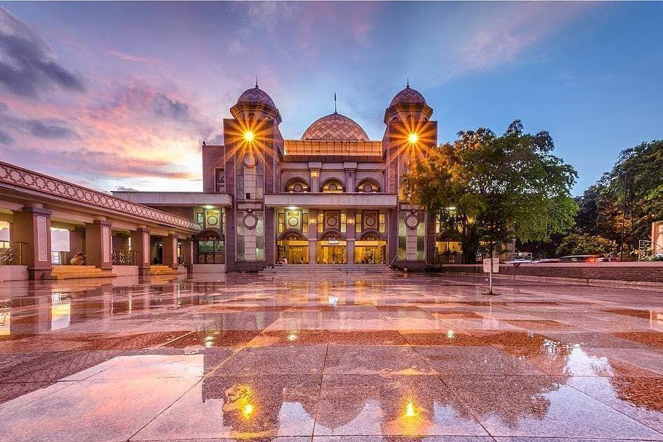 MASJID RAYA BOGOR . | Masjid, House styles, Mansions