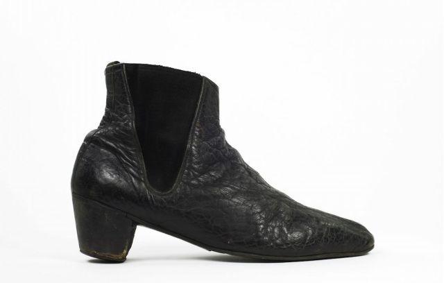 Why Did Men Stop Wearing High Heels Anyway Beatle Boots Men In Heels Boots