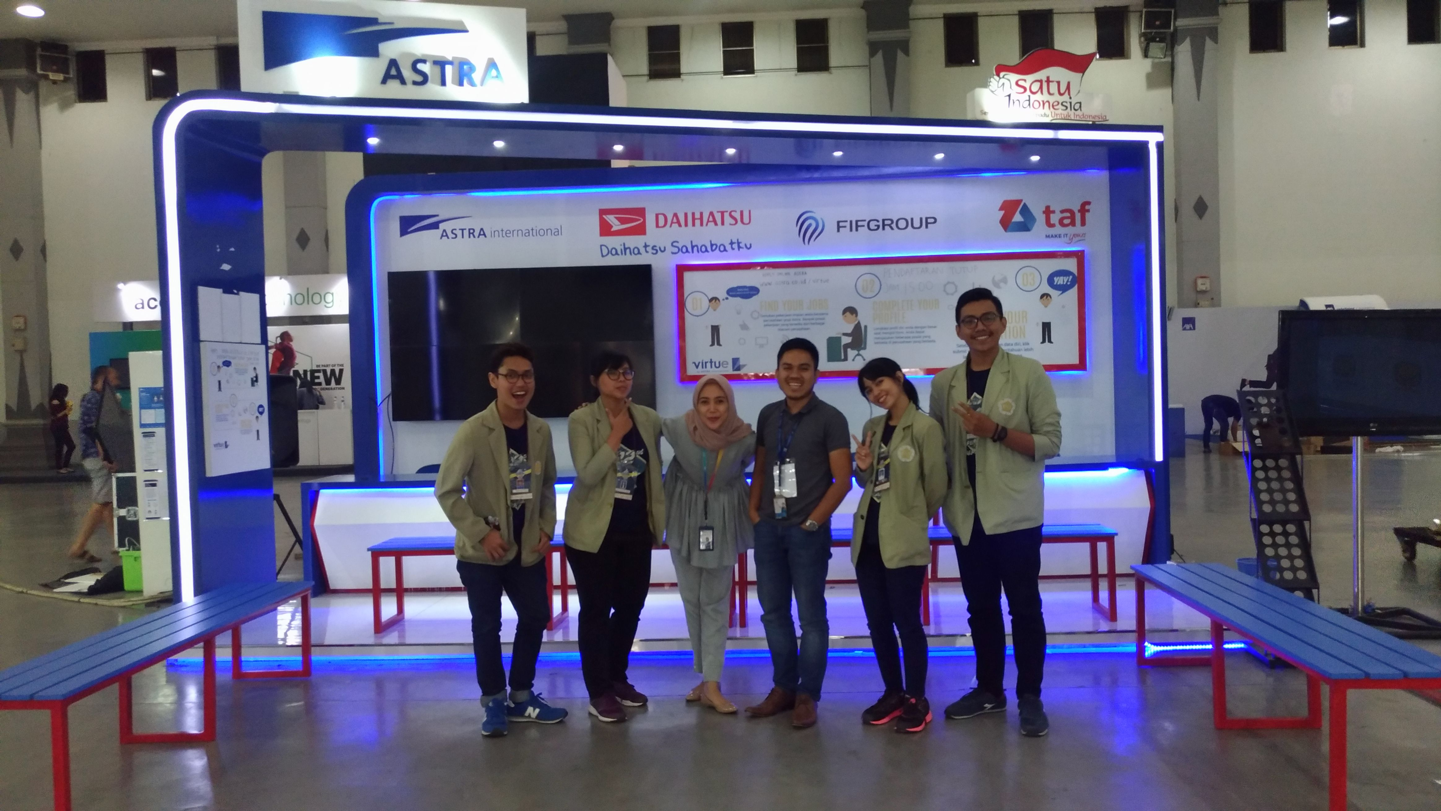 Pin By Diahwutami On Astra Career Booth Pinterest Career