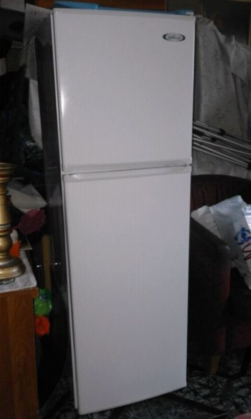 225L Aerolux fridge/freezer Isipingo Beach Gumtree