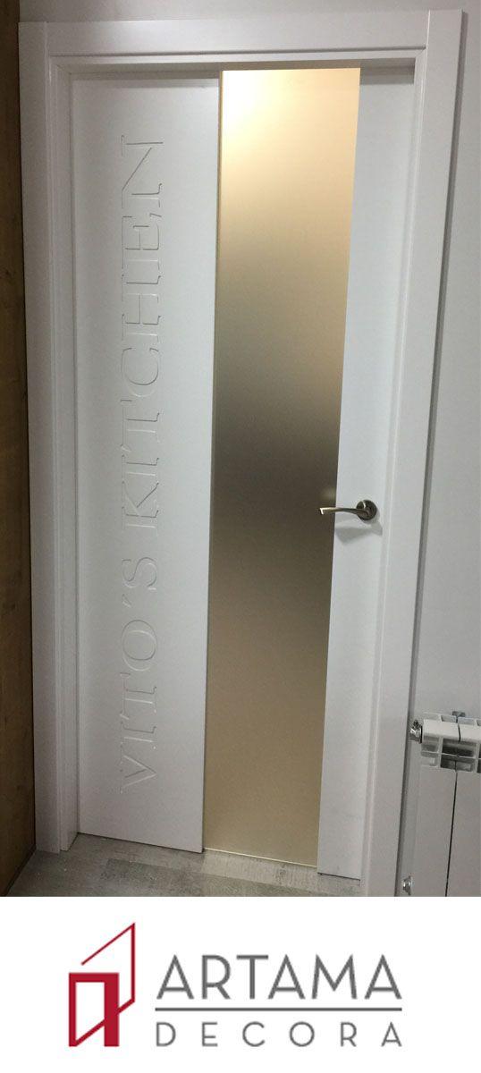 puerta lacada en blanco serigraf a personalizada para el