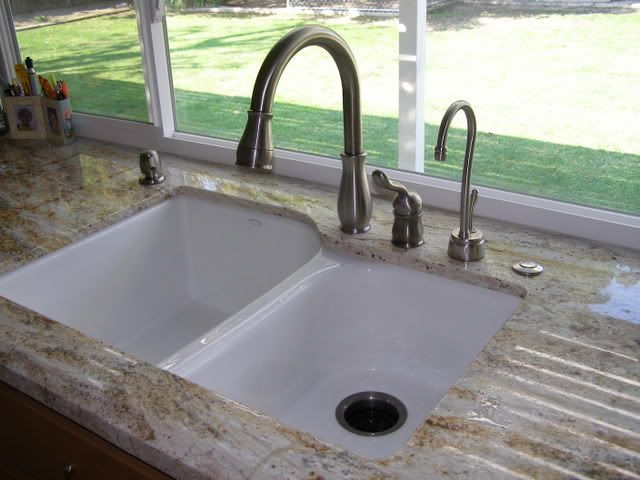 Undermount Cast Iron Sink Love The Countertop Too Cast Iron Kitchen Sinks Sink Small Sink