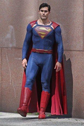 Tyler Hoechlin Supergirl behind the scène