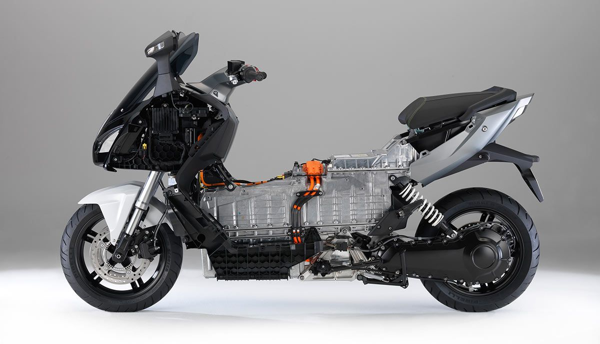 Bmw c evolution electric scooter is based on a hybrid composite structure with an all electric motor producing continuous output of 11 kw and havin