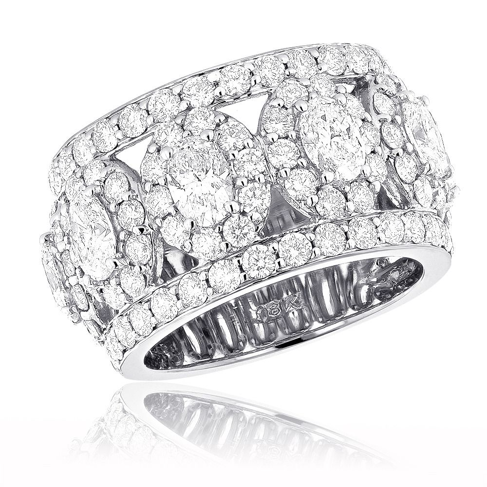 This Unique Diamond Wedding Band is available in 18k white