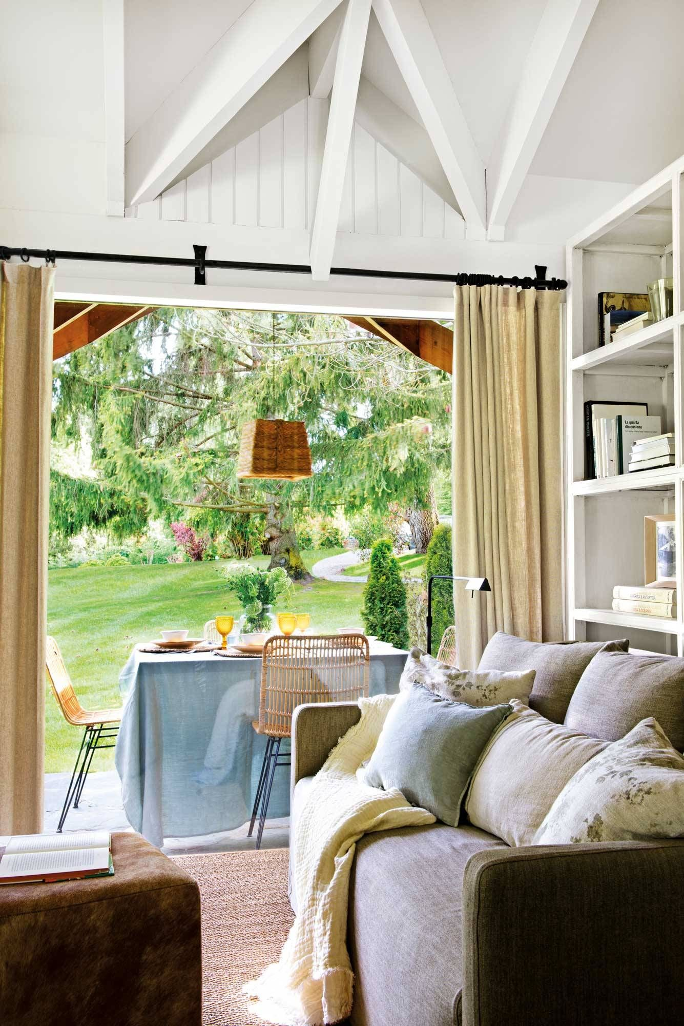 Interiores a medida con mucha madera Porches de casas