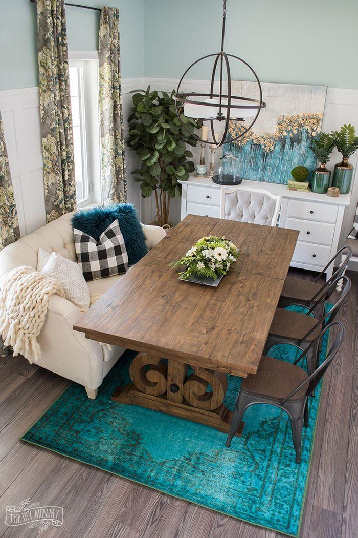 Gemutliches Wohnzimmer Im Landhausstil Massiver Holztisch