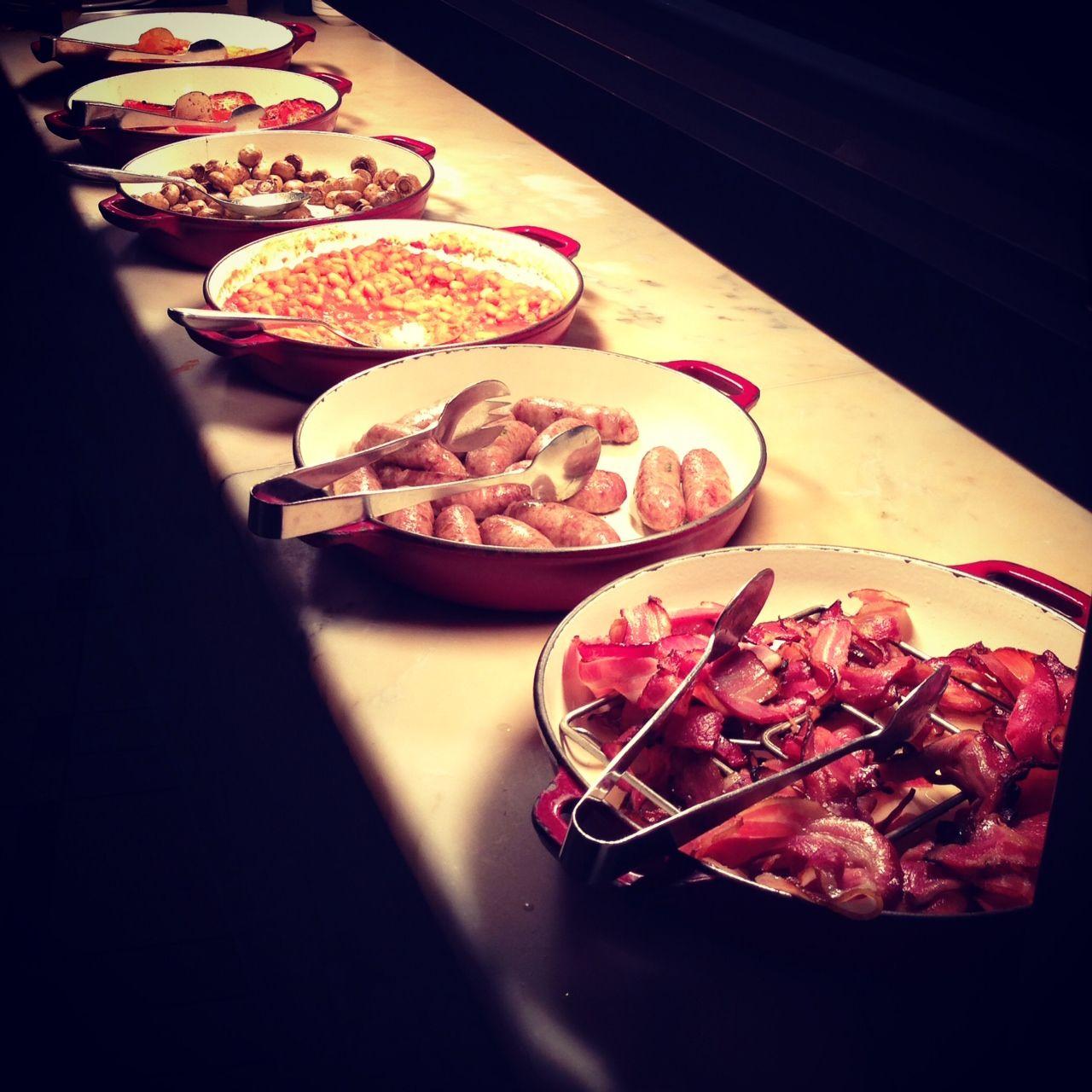 Hot Breakfast Buffet, Eggs, Bacon, Sausages, Hash Browns - Park Hyatt  Melbourne - Hot Breakfast Buffet, Eggs, Bacon, Sausages, Hash Browns - Park
