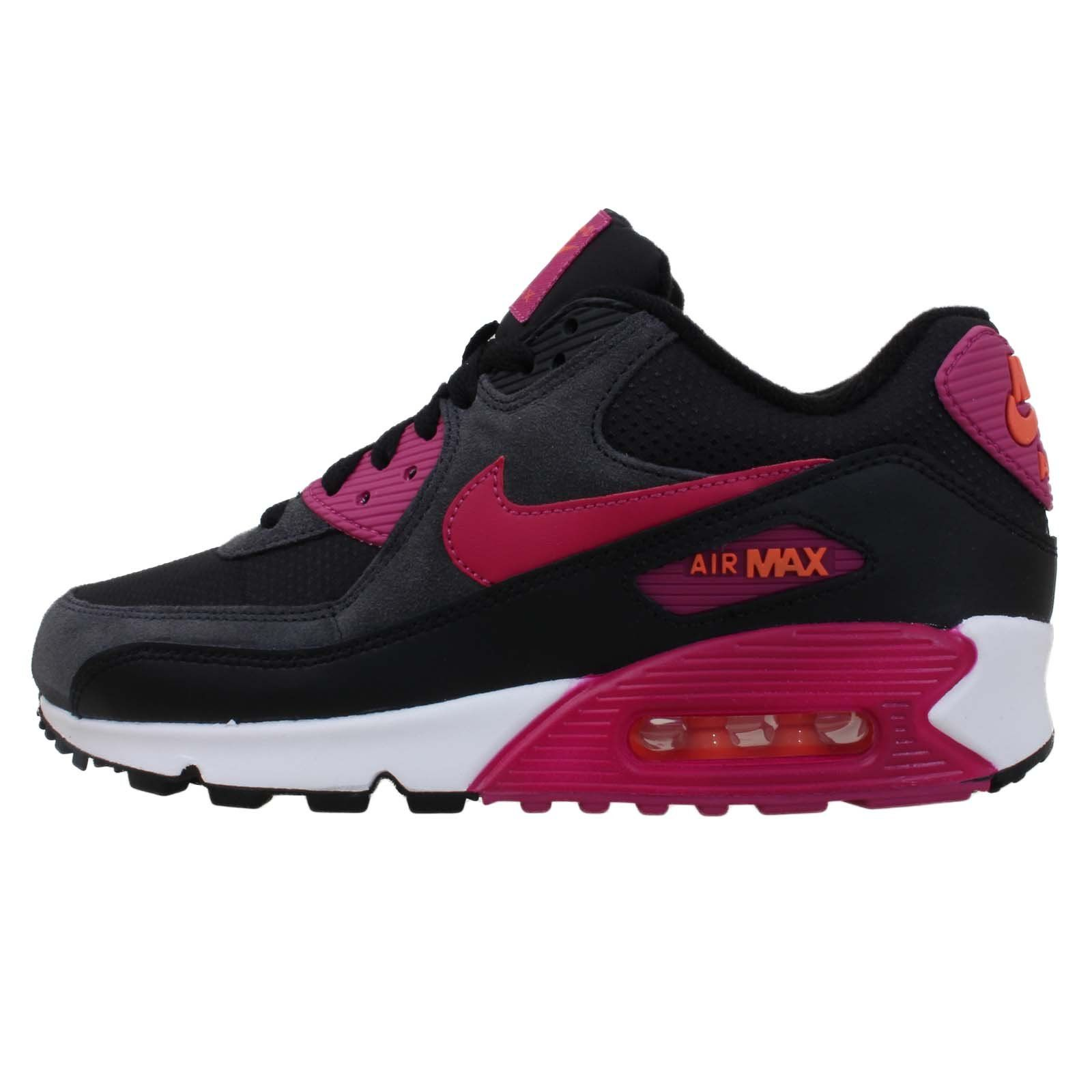 huge discount d7dc8 e840a Amazon.com: Nike Women's Air Max 90 Essential Running Shoe: Shoes ...