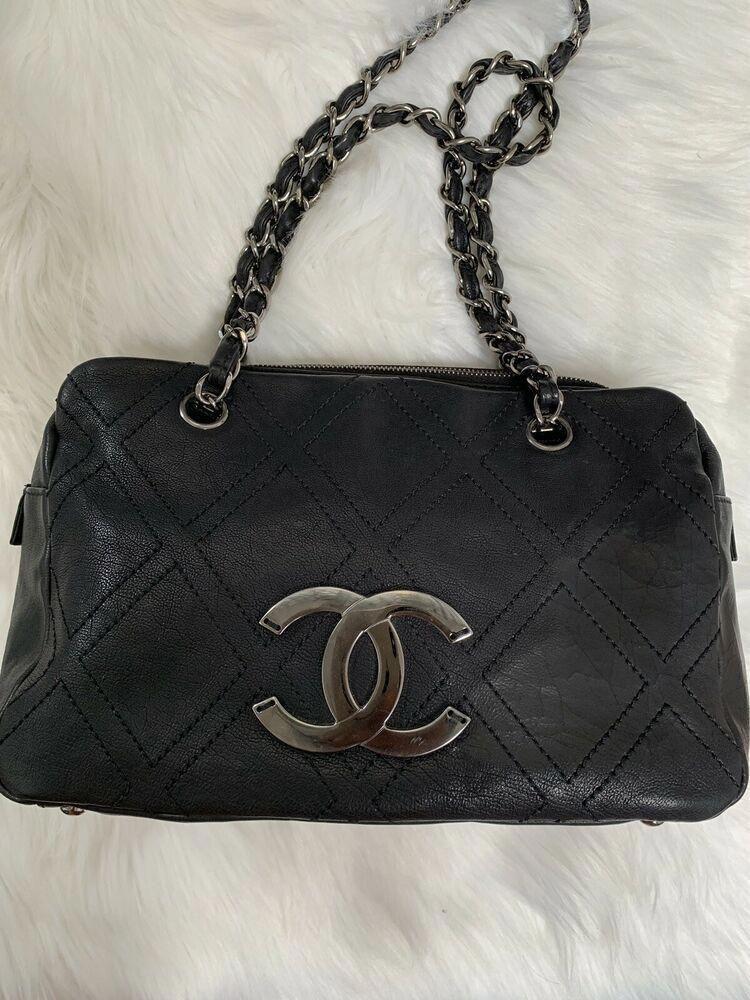 cb48610b8 CHANEL Black Calfskin Leather Diamond Stitch Tote Bag #CHANEL #Tote  #WomensShoulderbags