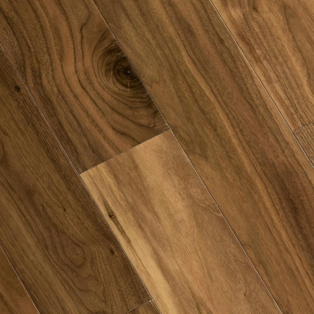 Home Legend Walnut Americana 3 8 In Thick X 5 In Wide X Varying Length Click Lock Hardwood Flooring 19 686 Sq Ft Case Hl307h Hardwood Floors Walnut Hardwood Flooring Flooring