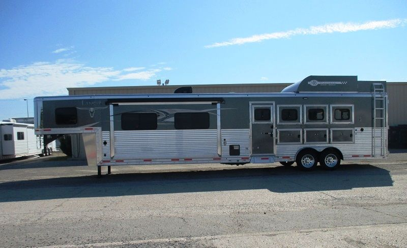 Lakota 4 Horse 16 Living Quarters Bighorn With 12 Slide Out Nrs