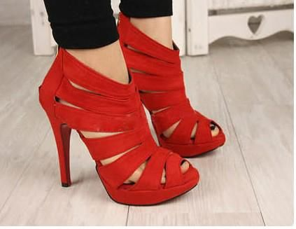 Fun RED shoes!! I want these in PURPLE!!