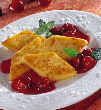 Rosenmehl - Grießschnitten mit Balsamico-Kirschen