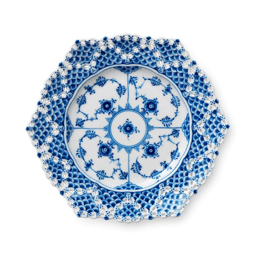 Blue Fluted Full Lace Cake Plates In 2021 Royal Copenhagen Royal Copenhagen Porcelain Royal Copenhagen China