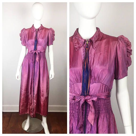 Lovely vintage 1940s purple iridescent dressing gown. Gold metal ...