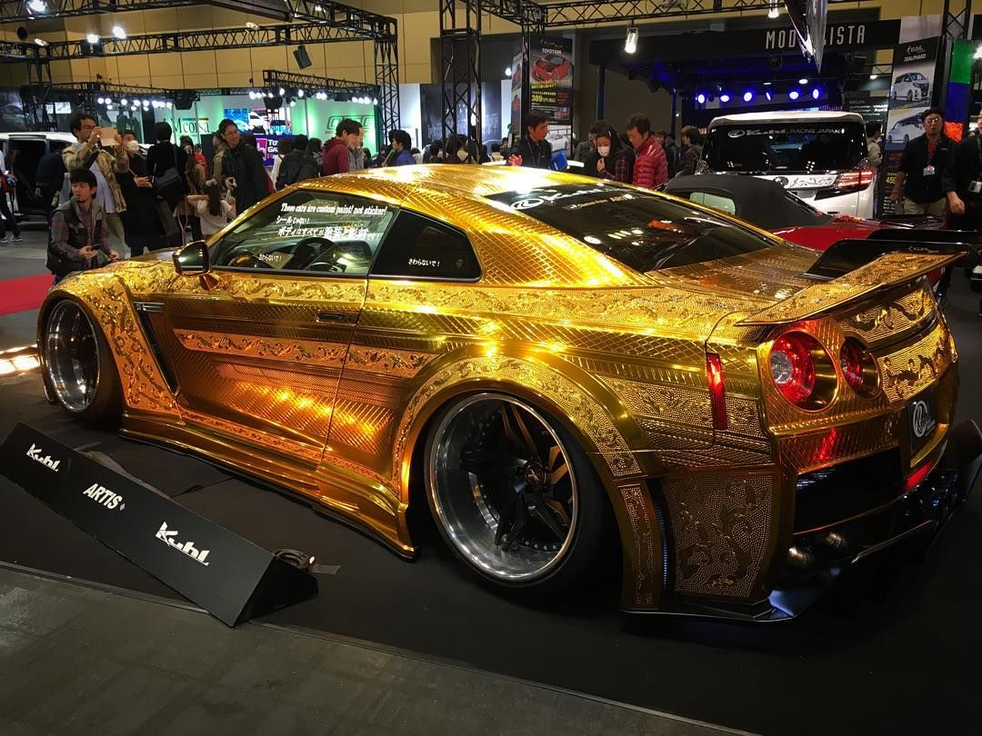 gt r r35gt r gold metal paint customized by kuhl racing gtr r35 alternative nissan gtr. Black Bedroom Furniture Sets. Home Design Ideas