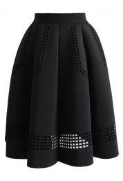 Falda Negra Calada con Pliegues