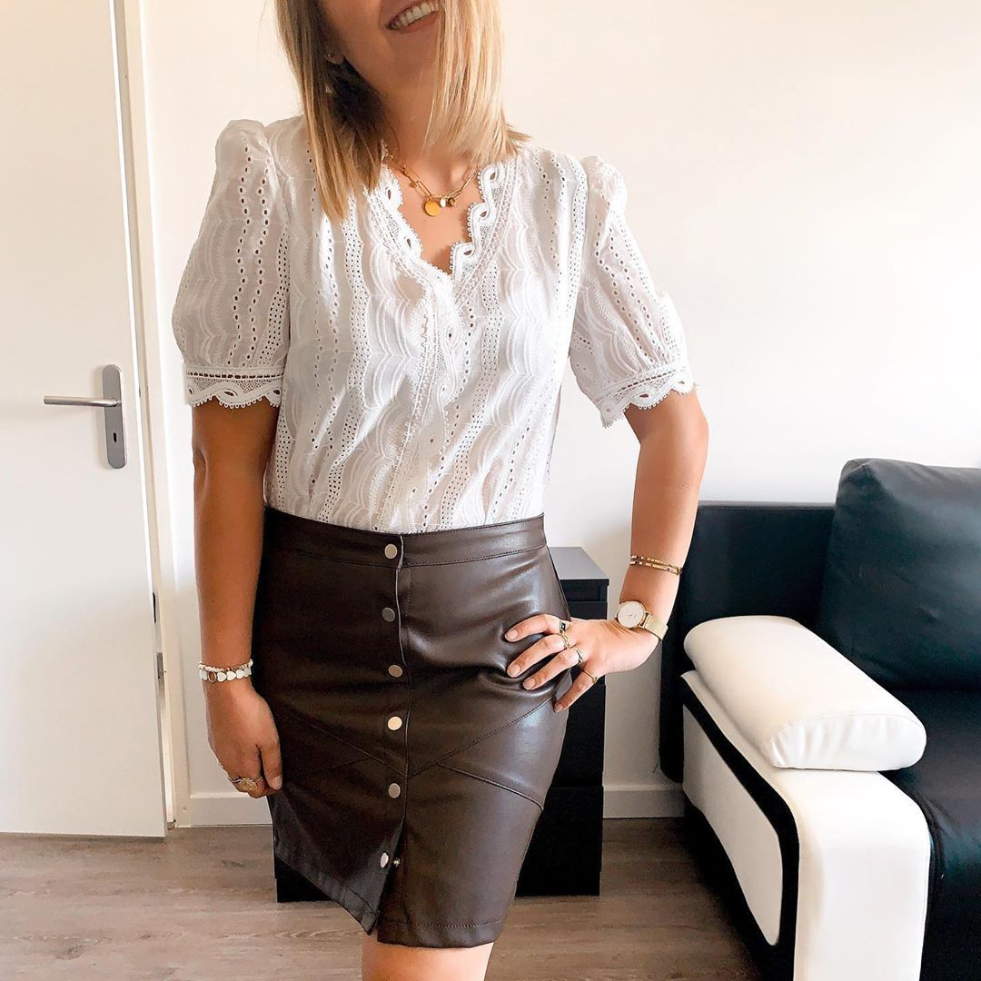 B o n  W e e k - e n d 👜    #skirt #leatherskirt #tenue #tenuedujour #tendance #tendancemode #fashion #inspi #inspiration #look #lookdujour #monlook #instaoutfit #ootd #outfitoftheday #shein #sheinfrance #sheinlook #summeroutfit #summer