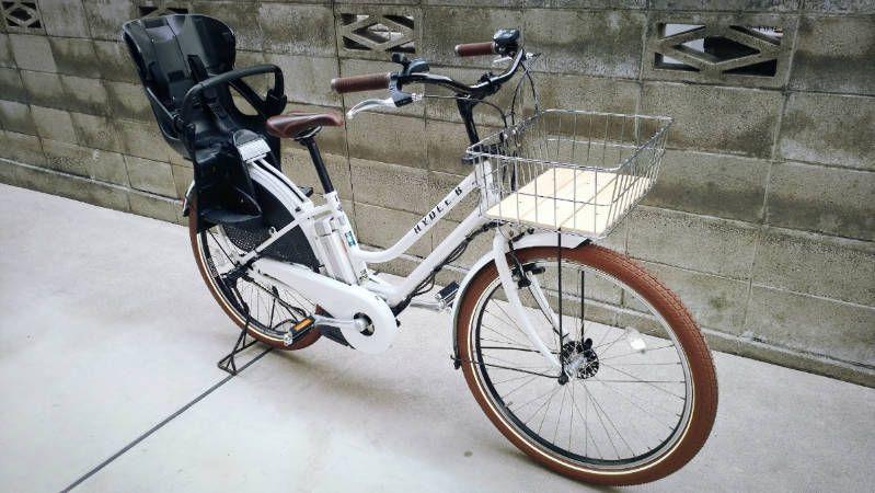 一通りのパーツを交換しプチイメチェンを果たしつつあるhydee2 ハイディーツー ですが 今回はいよいよ最終段階となるパーツ 前カゴ を交換することになりました 現状では購入時に付けて貰った前カゴがあります ただし 駅の駐輪場を使っている為 電動自転車