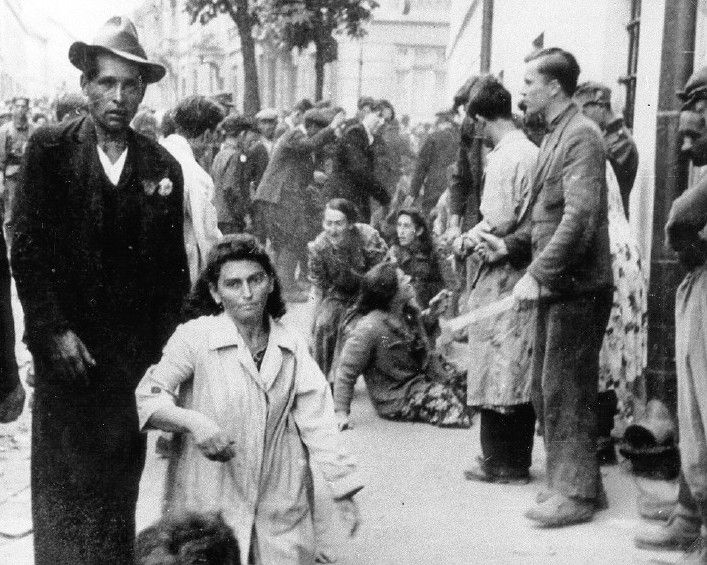 German Persecution of Jews in Poland - http://www ... Pictures Of Pogroms In Poland