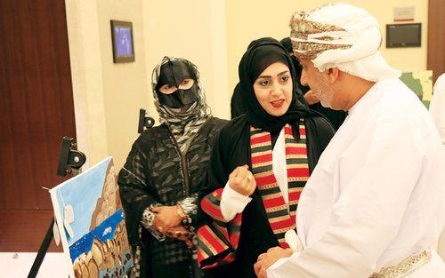 Omani Women S Association Holds Art Exhibition Oman Art Exhibition Exhibition Women