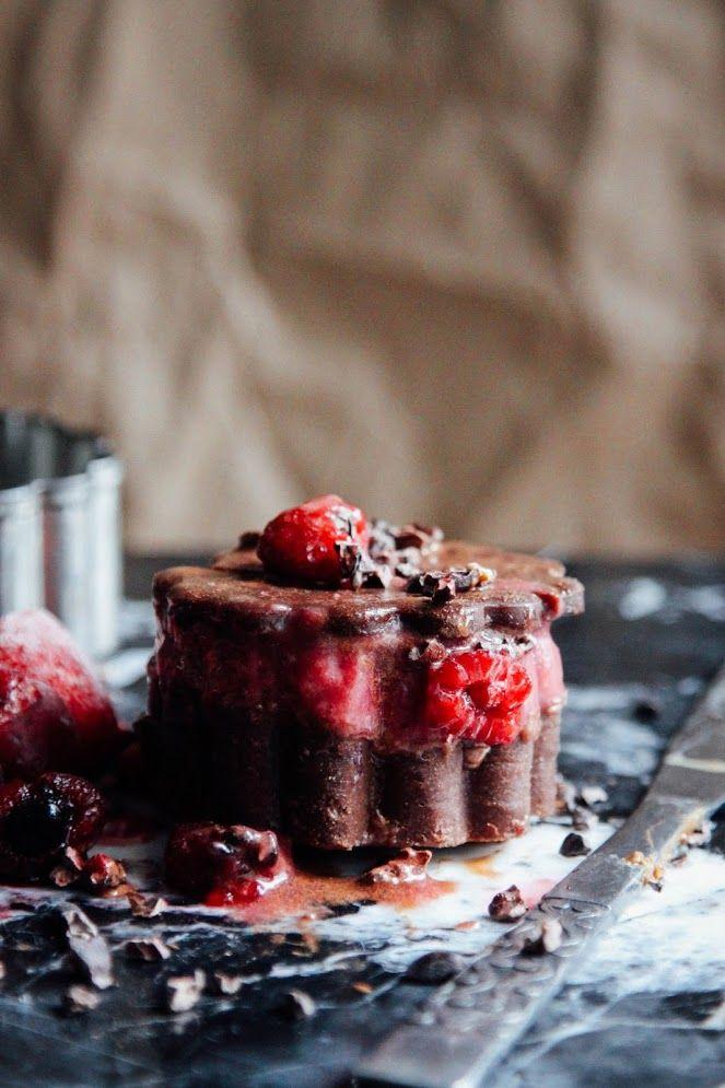 This Rawsome Vegan Life: BERRY ICE CREAM CHOCOLATE COOKIE FOR ONE