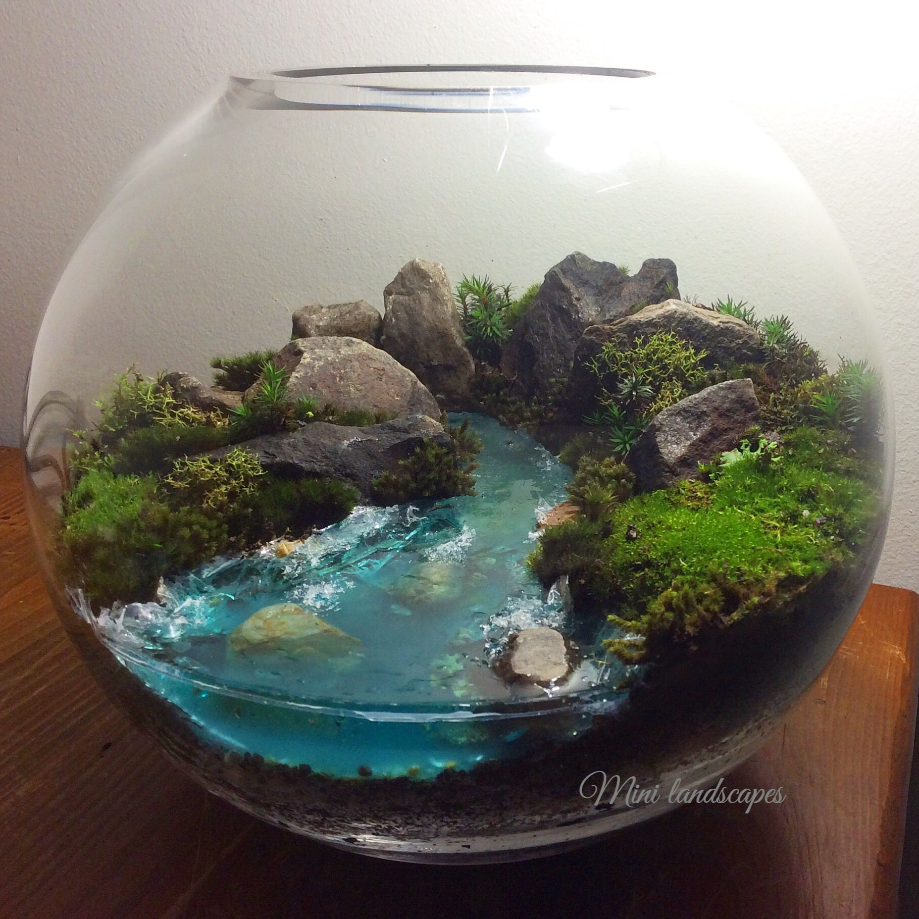 moss landscape with glow in the dark resin river mini landscapes pinterest resin and rivers. Black Bedroom Furniture Sets. Home Design Ideas