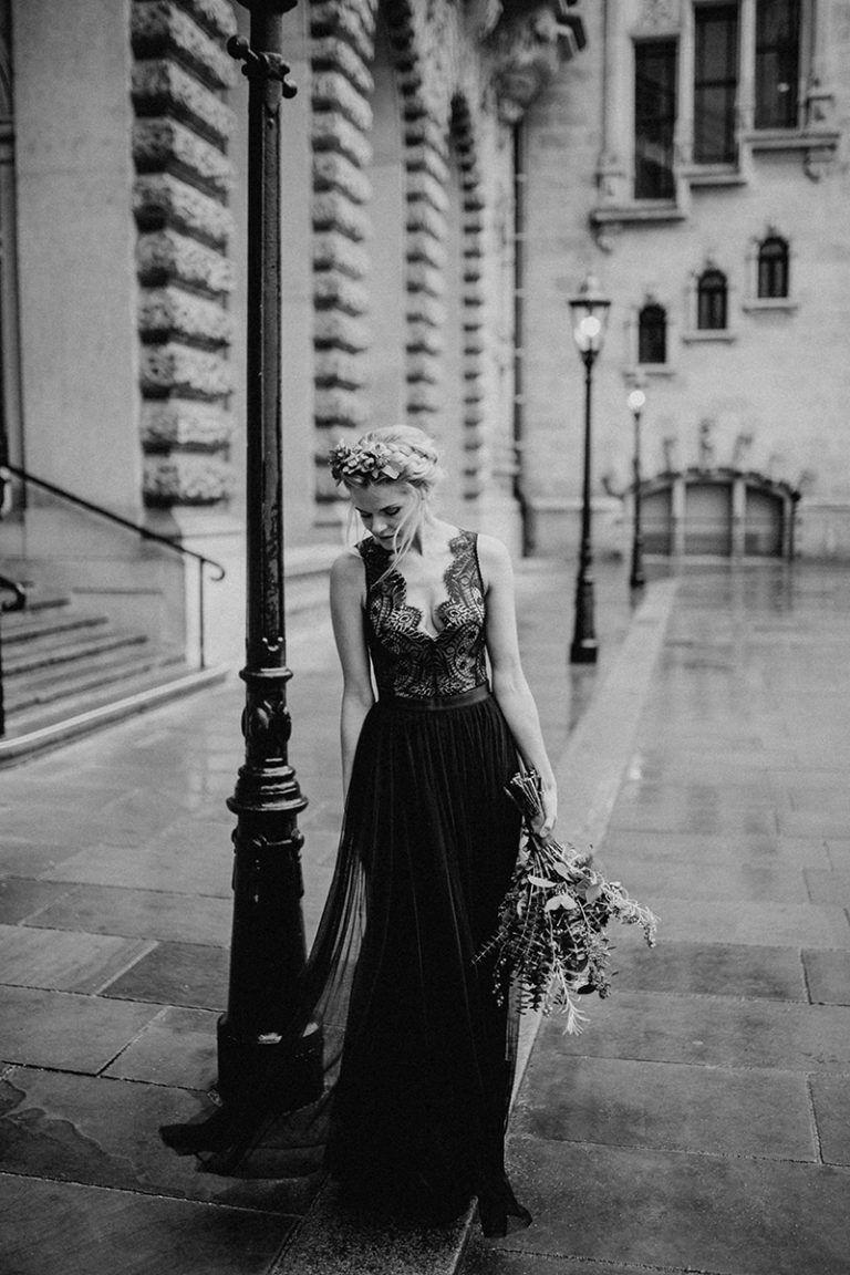 black bridal editorial | schwarze hochzeit, schwarzes kleid