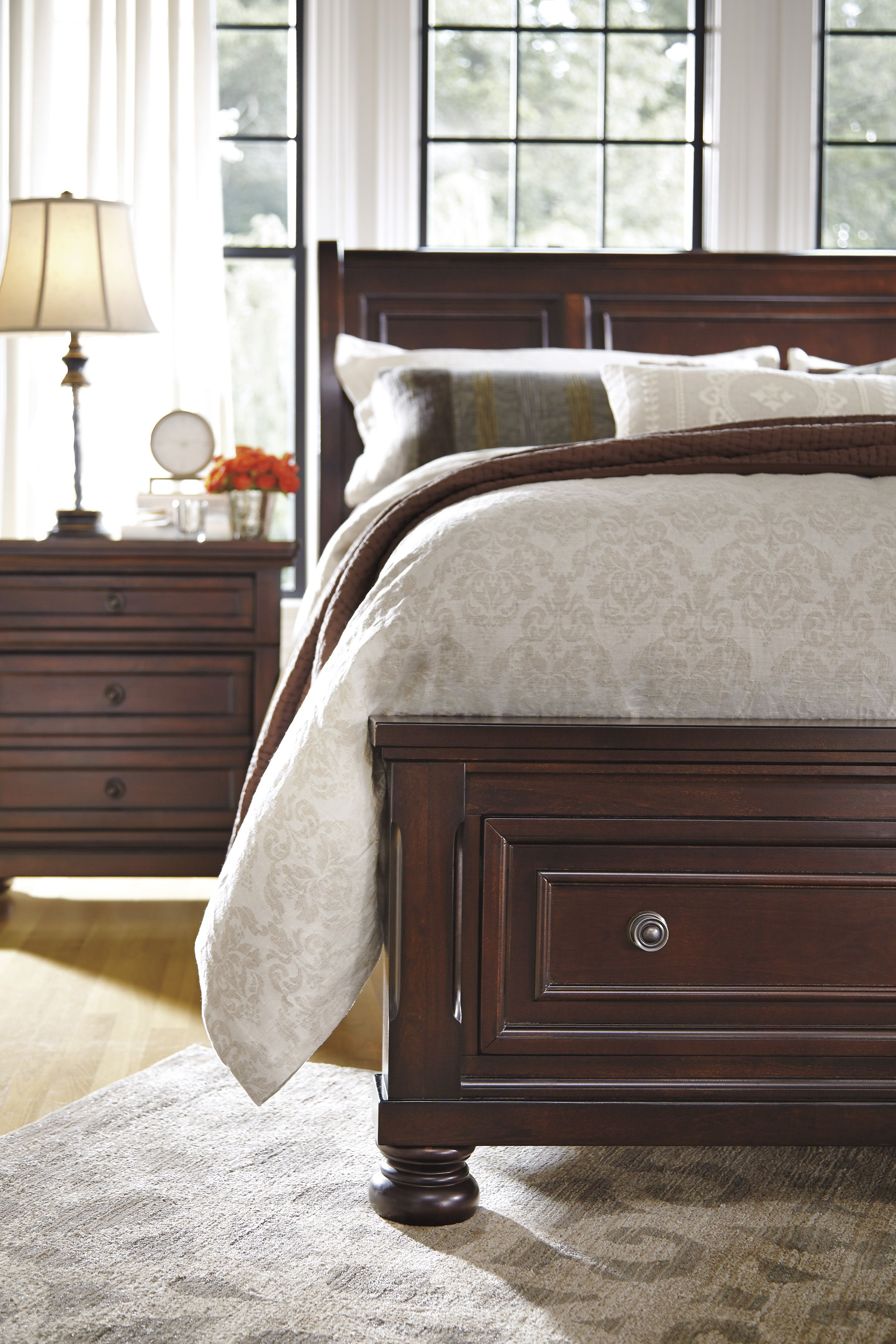 Shop For A Isabella Light Wash 5 Pc Queen Panel Bedroom At Rooms To Go.  Find Queen Bedroom Sets That Will Look Great In Your Home And Complement U2026
