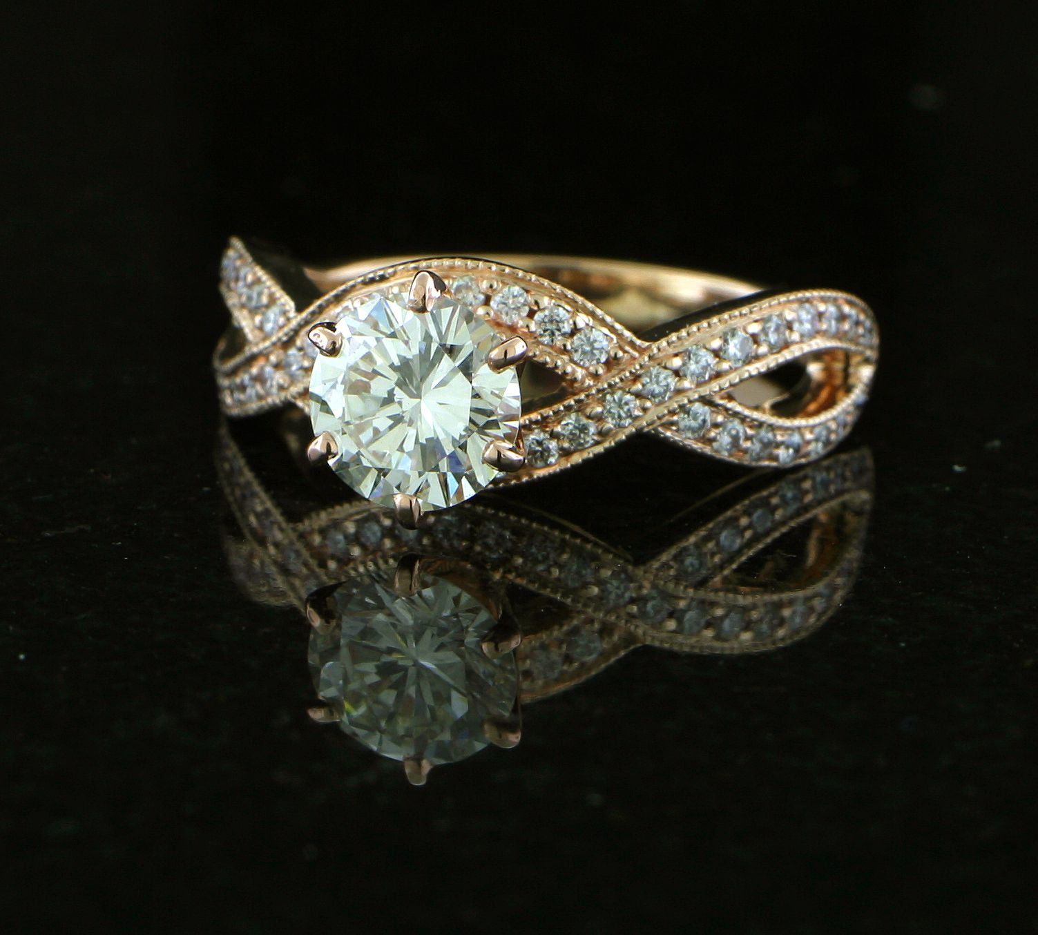 This beautiful 14k rose gold ring is encrusted with