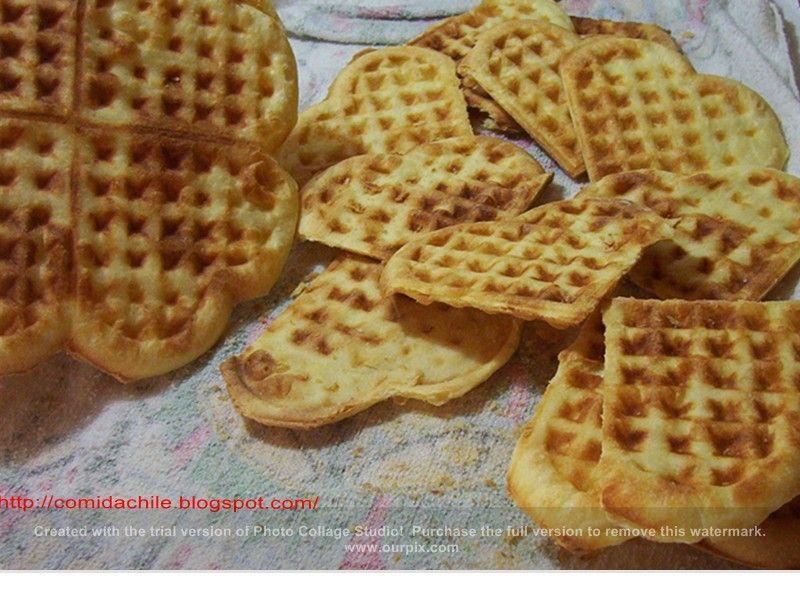 Waffles que comemos en el sur de Chile son diferentes a los que se consumen en otras partes   Son dos galletas rellenas de dulce de l...