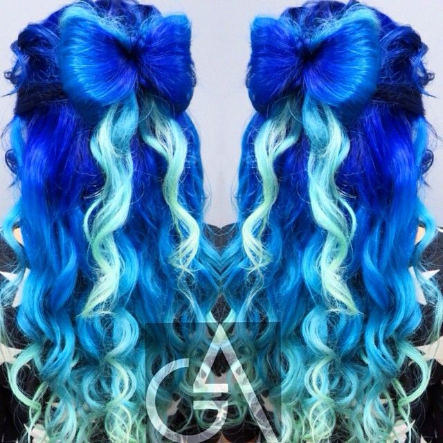 Two Tone Royal Blue Dyed Hair Dyed Hair Cool Hair Color Teal Hair