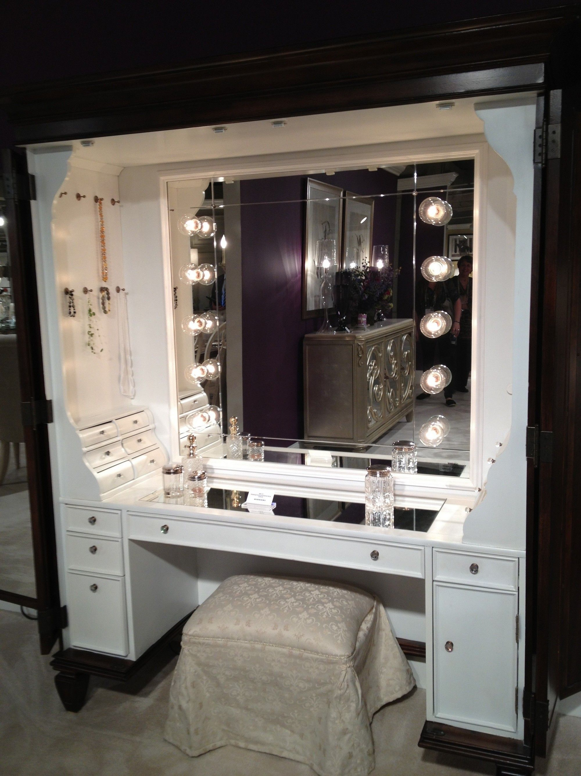 Modern dressing table with mirror - Modern White Stained Wooden Vanity Table With Mirror And Lighting Plus Ivory Velvet Stool With Magnifying
